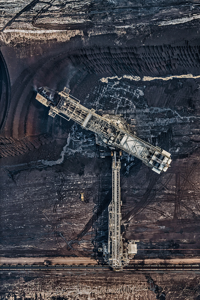 Bernhard Lang © Coal mine series